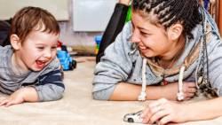 تفسير اللعب مع طفل في المنام للعزباء في المنام