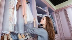تفسير حلم خزانة الملابس في المنام للحامل
