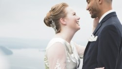 تفسير حلم الزواج من شخص معروف في المنام للعزباء