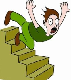 تفسير حلم سقوط ابني من الدرج