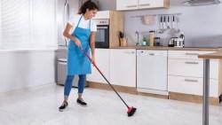 تفسير حلم تنظيف المطبخ من الاوساخ في المنام