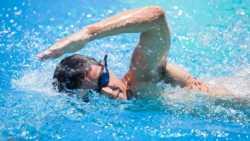 تفسير حلم السباحة في الماء الصافي في المنام