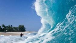 تفسير حلم السباحة في البحر الهائج في المنام