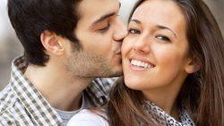 تفسير حلم زوجي يبوس إمرأة غيري في المنام