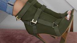 تفسير حلم لبس حذاء زيتي في المنام