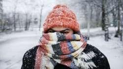 تفسير رؤية الميت يشعر بالبرد في المنام