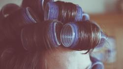تفسير حلم تصفيف الشعر عند الكوافير فى المنام