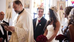 تفسير حلم فرح في الكنيسة في المنام