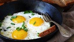 تفسير حلم طهي البيض المقلي في المنام