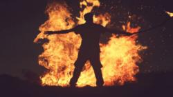 تفسير حلم النار تحرق شخص في المنام