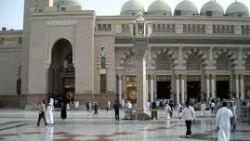 رؤية دخول المسجد في المنام للعزباء