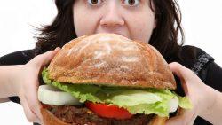 تفسير حلم الأكل بشراهة في المنام