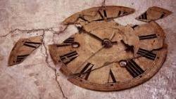 تفسير حلم ساعة حائط مكسورة في المنام