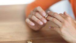 كيف اشغل نفسي عن زوجي بعد زواجه