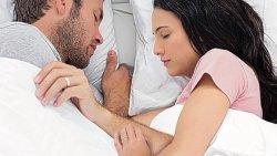 تفسير حلم النوم بجانب الحبيب بدون لمس في المنام