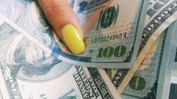 تفسير حلم المال بالدولار في المنام