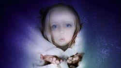تفسير حلم رؤية الميت عاد طفلا في المنام