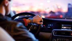 تفسير حلم ركوب السيارة مع الميت في المنام