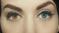 تفسير حلم تغير لون عين الميت في المنام