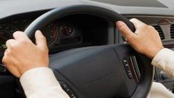 تفسير حلم قيادة شخص ميت السيارة في المنام