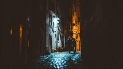 تفسير حلم المشي مع الميت في الليل في المنام لابن سيرين