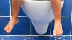 تفسير حلم التبول في المرحاض في المنام