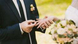 تفسير حلم زواج المرأة المتزوجة من حاكم في المنام