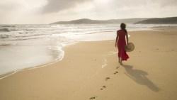 تفسير حلم المشي على الشاطئ في المنام
