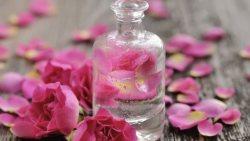 تفسير حلم رش ماء الزهر على الوجه في المنام
