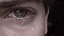تفسير حلم رؤية حبيبي يبكي في المنام
