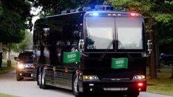 تفسير حلم ركوب الباص الأسود في المنام