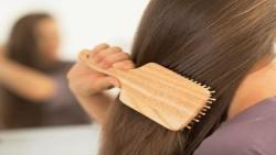 تفسير حلم تمشيط الشعر للميت في المنام