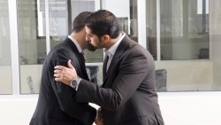 تفسير حلم رؤية تقبيل صديق متخاصم معه في الواقع في المنام