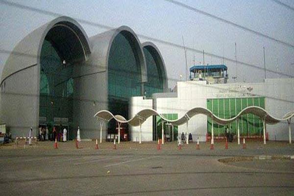سلطات مطار الخرطوم والجوازات بحظر سفر أى أمرأه دون محرم