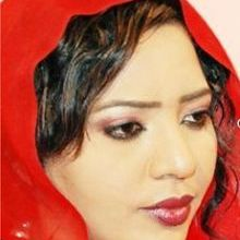 Photo of بالصور..مذيعة النيل الأزرق نسرين النمر تنشر صور لها مع الفنان محمد الأمين وصورة له وهو يبكي
