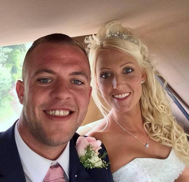 مقلب يقوم به عريس في يوم زفافه