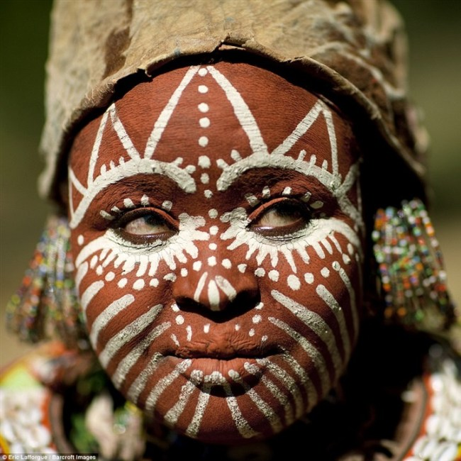 استخدامات المكياج للقبائل حول العالم6