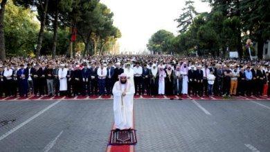 Photo of حكم زيادة الإمام ركعة خامسة في صلاة رباعية