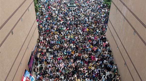 10 آلاف صيني يتقدمون لوظيفة واحدة