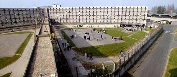 صور السجن المحبوس فيه سعد لمجرد1