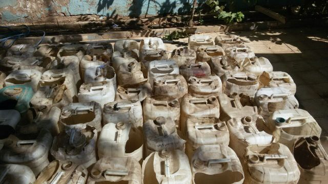 الشرطة السودانية تدمر أوكاراً للخمور البلدية والرزيلة