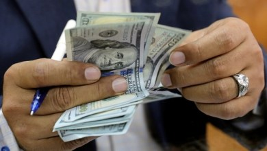 Photo of تاجر عملة بالخرطوم يكشف عن ظهور مشترين جدد للدولار
