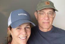 Photo of رسميا… توم هانكس وزوجته يحملان الجنسية اليونانية