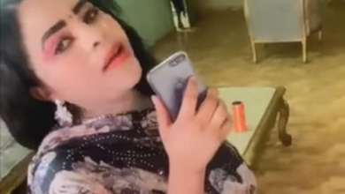 Photo of شاهد بالفيديو.. فتاة سودانية حسناء تقدم فاصل من الرقص المثير على طريقة أفلام الرومانسية الهندية وتشعل السوشيال ميديا