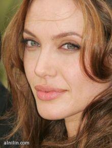 النجمة أنجلينا جولي الأعلى أجرا في هوليوود