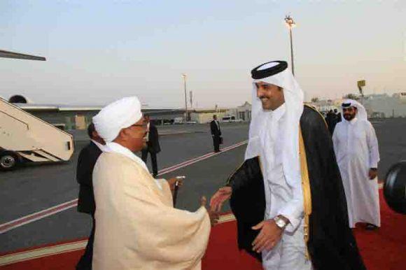 الشيخ تميم يستقبل البشير في الدوحة  8-7-2014
