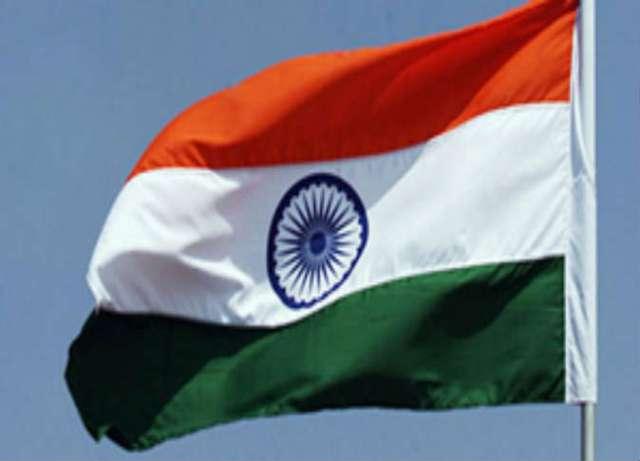 الهند تفصل مسؤولا عن العمل بعد ربع قرن من غيابه