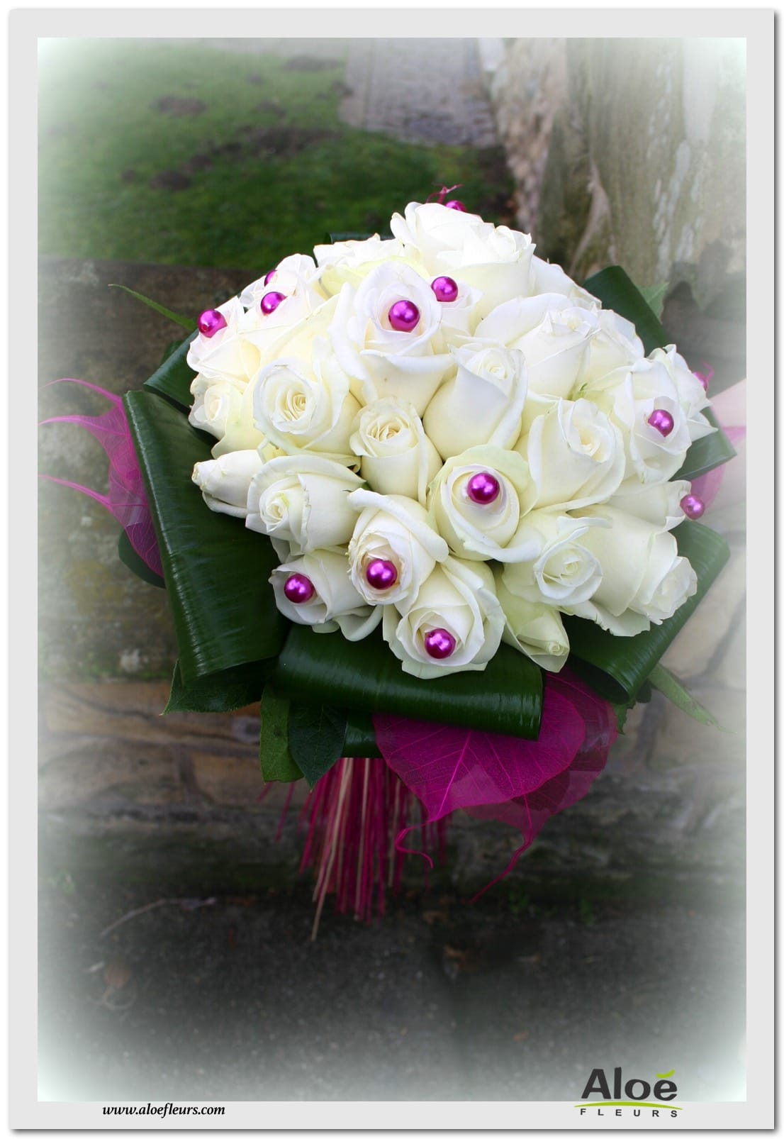 White Bouquets For Weddings