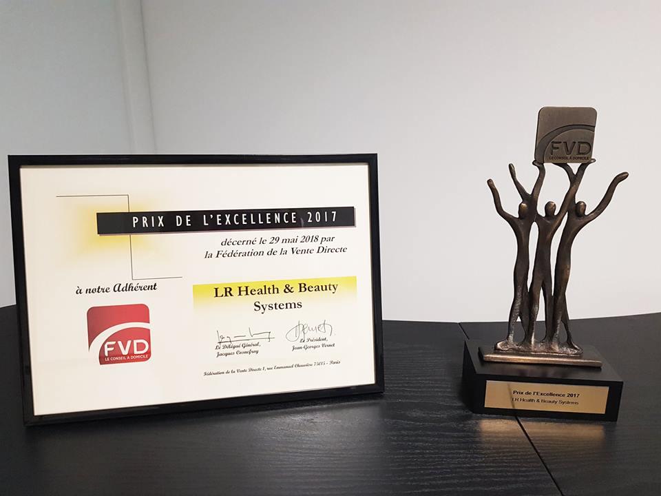Nouvelle distinction pour LR France qui a reçu le Prix de l'Excellence 2017 de la part de la FVD (Fédération de Vente Directe)
