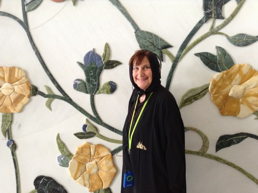 Annette at the Sheikh Zayed Grande Mosque